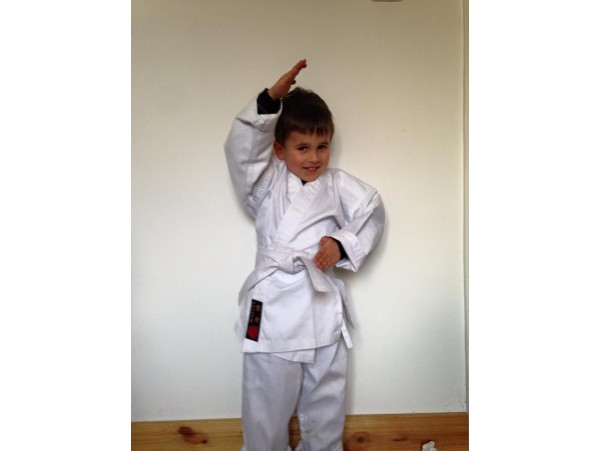 Karate Suits Black or White CHILD
